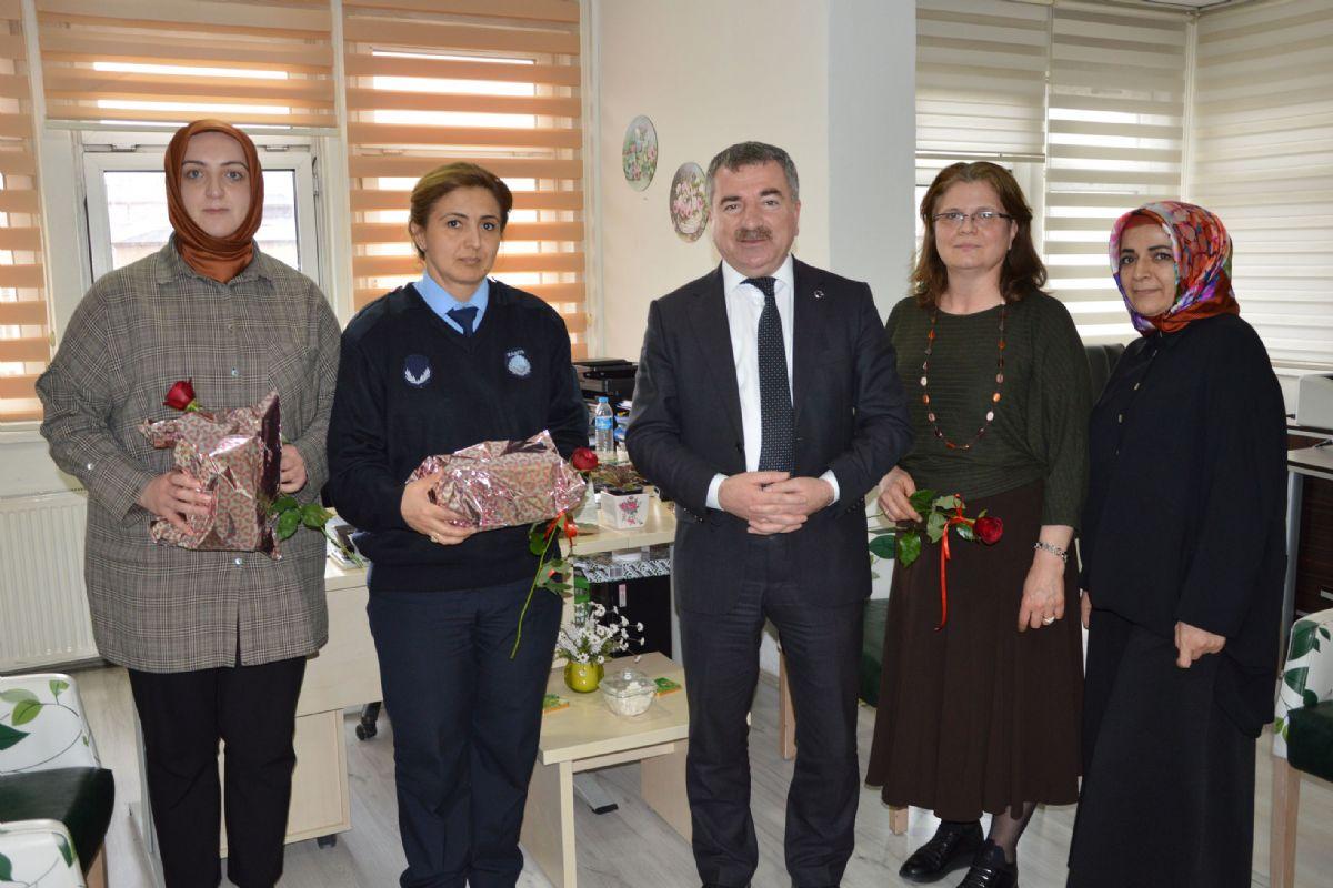Başkan Özdemir'den Kadınlar Günü Kutlaması