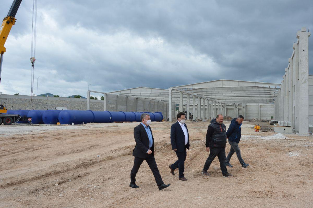 Kaymakam YILMAZ ve Başkan Özdemir Kurulan Fabrikayı İncelediler