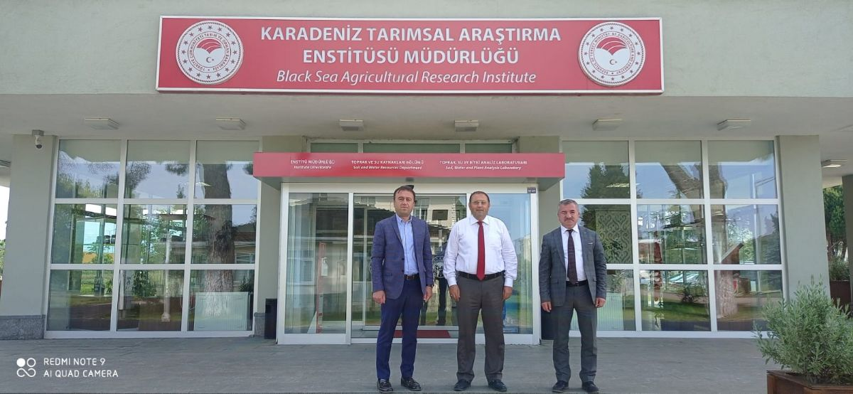 Belediye Başkanı Özdemir ve İlçe Başkanı Kayan Karadeniz Tarımsal Araştırma Enstitüsüne Ziyaret