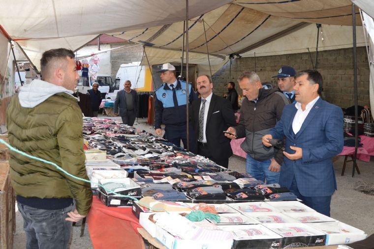 Havza'da Pırtı Pazar Esnafına Çöp Poşeti Dağıtıldı