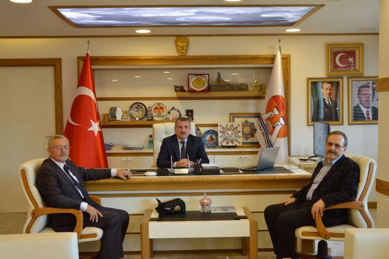 Eski Başkan Şahin'den Başkan Özdemir'e Ziyaret