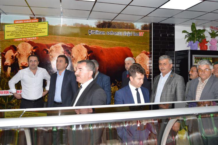 Samsun'un Havza İlçesinde, İlçeye Yeni Açılan Kasap İşletmesinin Açılışını Havza Belediye Başkanı Sebahattin Özdemir Döner Bıçağı ile Yaptı.