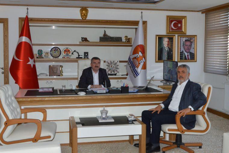Ondokuz Mayıs Üniversitesi ( Omü ) Rektörü Prof. Dr. Sait Bilgiç Havza Belediye Başkanı Sebahattin Özdemir'i Ziyaret Etti.