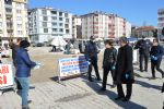 Havza Belediyesi Pazar Yeri Girişlerinde Eldiven ve Maske Dağıttı