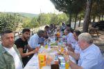 Havza Belediye Başkanı Sebahattin Özdemir Havza Muhtarları Derneği tarafından düzenlenen yemek programına katılarak muhtarlar ile bir araya geldi.